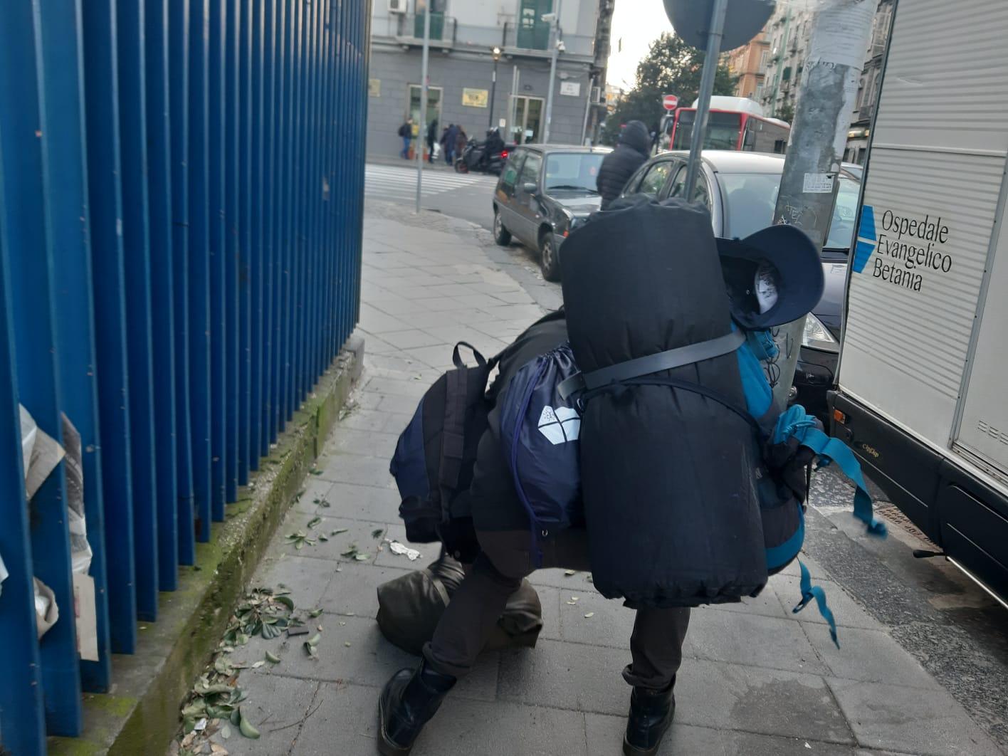 DALLA FONDAZIONE BETANIA KIT PER L'IGIENE PERSONALE AGLI HOMELESS DELLA CITTÀ